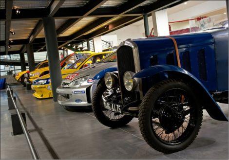 Les voitures sportives exposées au Musée de l\'Aventure Peugeot
