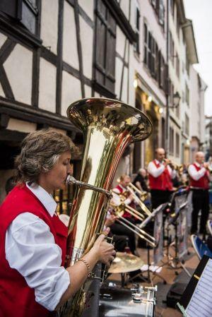Le folklore alsacien à l\'honneur dans les rues de Strasbourg