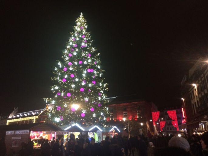 Le sapin de Noël de la place Kléber et ses illuminations 2016