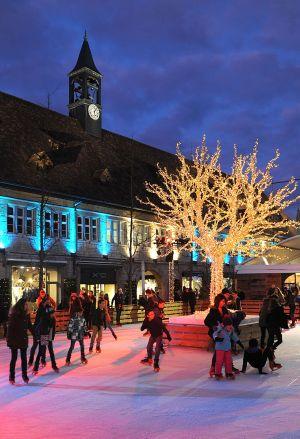 La patinoire de Noël à Montbéliard plait aux petits et aux grands