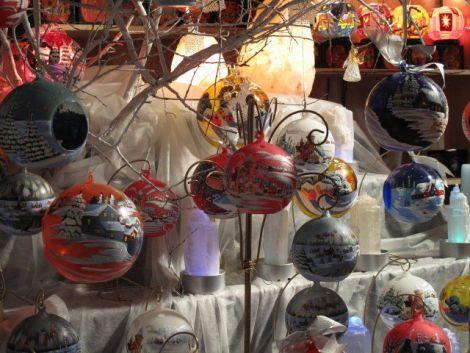 Les boules en verre, du travail d\'artisan