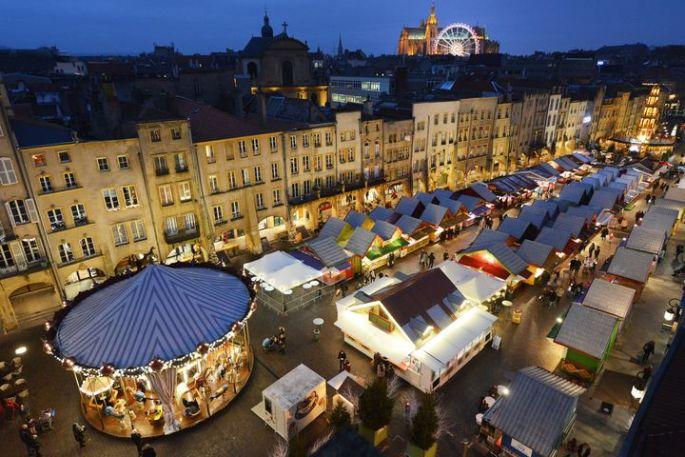 Noël 2017 à Metz : Marché des Traditions et Pyramide de Noël