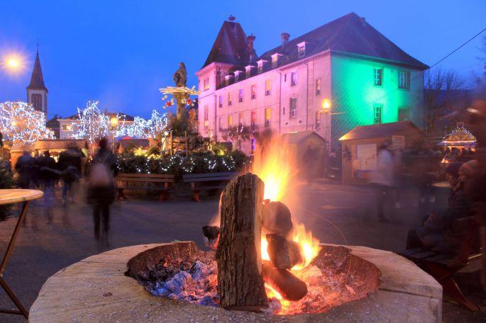 La place de Munster se met aux couleurs de Noël