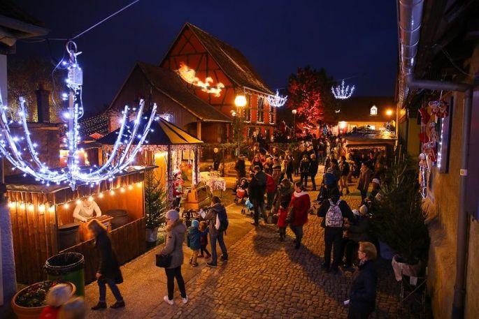 L\'ambiance chaleureuse du marché de la St Nicolas à Riedisheim