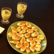 Apéritif original : les oeufs de saumon au wasabi sur lit de pommes de terre rattes