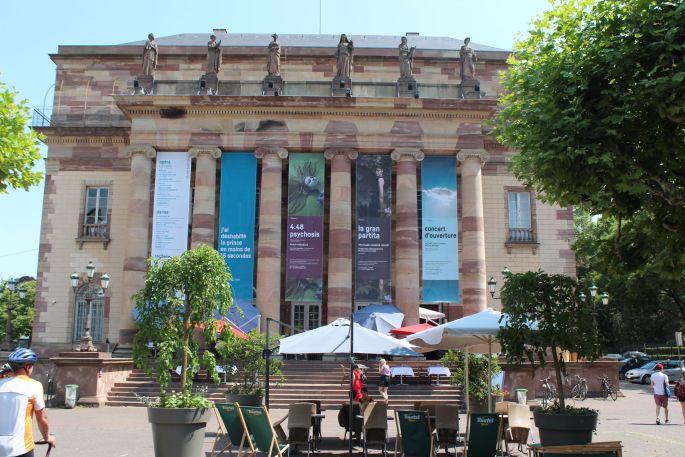 L\'opéra de Strasbourg, au bout de la place Broglie