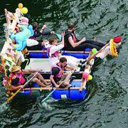 Opération Archimède 8 - Course de baignoires flottantes