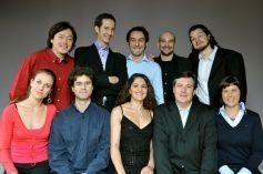 La promotion 2009/2010 de l\'Opéra Studio, avec son directeur artistique Vincent Monteil