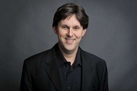 Patrick Davin dirige l\'Orchestre Philharmonique de Strasbourg