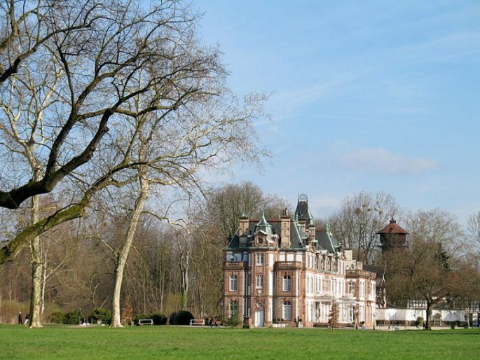 Le Parc de Pourtalès est comme un écrin pour le magnifique château du XVIIIe siècle