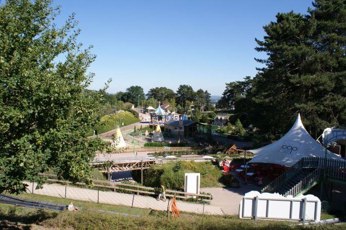 Le Parc des Combes en Bourgogne, avec ses attractions et ses trains touristiques