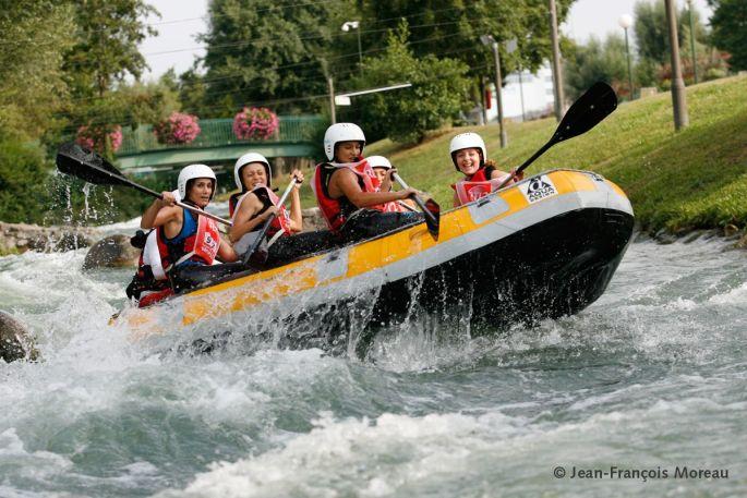 Rafting sur la rivière du Parc des Eaux Vives à Huningue