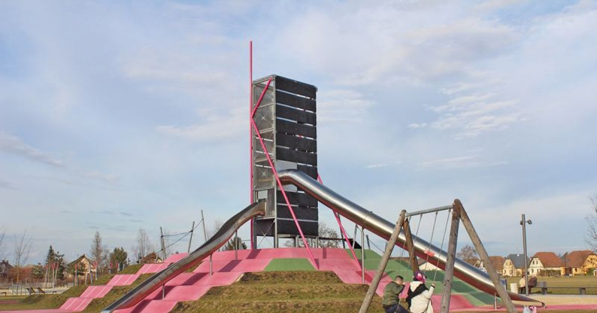 Parc des gravi res kingersheim parc avec aire de jeux for Idee deco kingersheim
