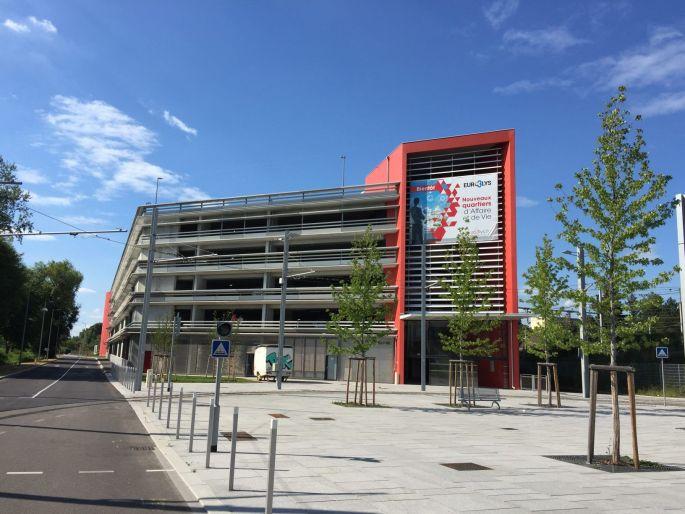 Le Parking Relais de la Gare de Saint-Louis se situe rue du Ballon
