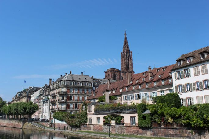Le quai des Bateliers et la Cathédrale de Strasbourg