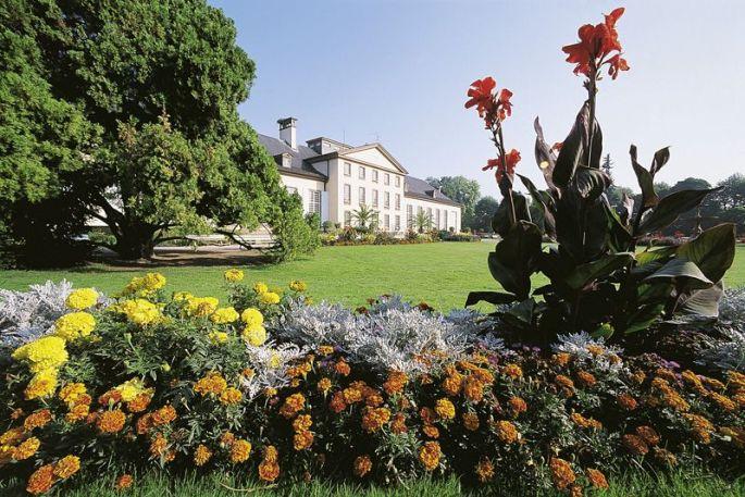 Le Pavillon Joséphine est situé dans le Parc de l\'Orangerie