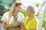 Les structures d\'accueil pour personnes âgées assurent assistance et soins médicaux