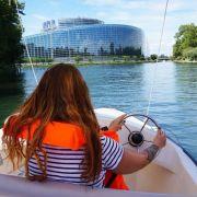 Pilotez un bateau sans permis au coeur de Strasbourg !