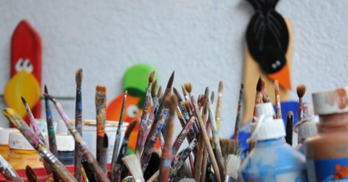 strasbourg  V materiel de loisirs creatifs T