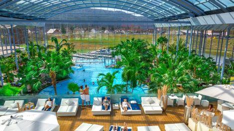 piscine toboggans badeparadies titisee en allemagne. Black Bedroom Furniture Sets. Home Design Ideas