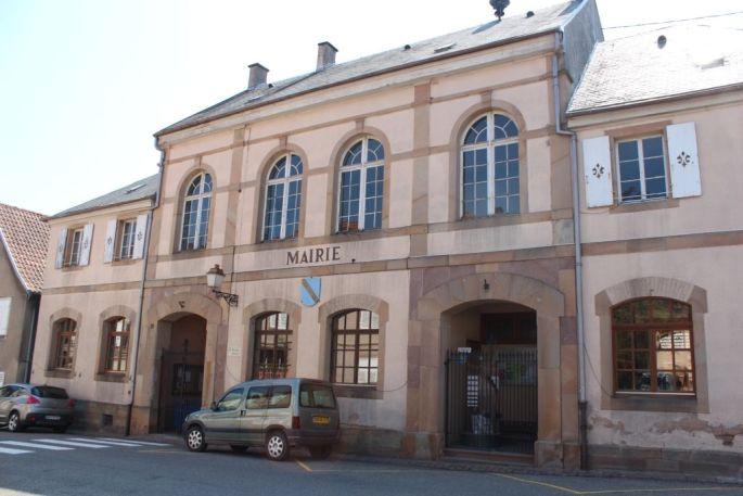 Point-lecture situé à la mairie de Blienschwiller
