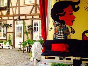la popartiserie - galerie, atelier d'art et bar a vins a strasbourg