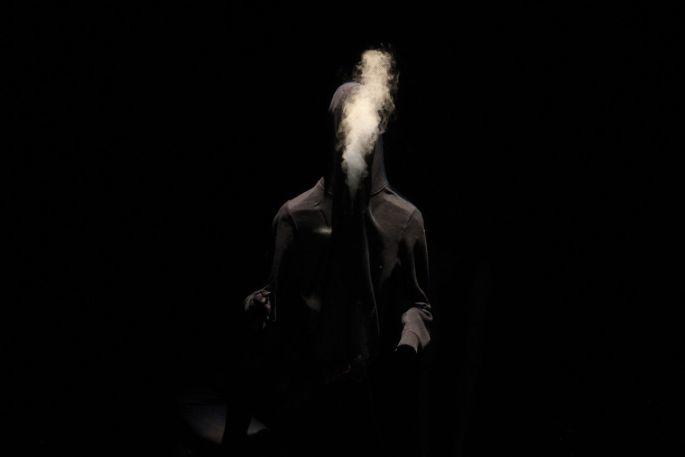 Poudre noire est une création de Simon Delattre