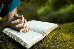 Les lieux de pèlerinage sont toujours fréquentés par ceux qui cherchent quiétude et recueillement