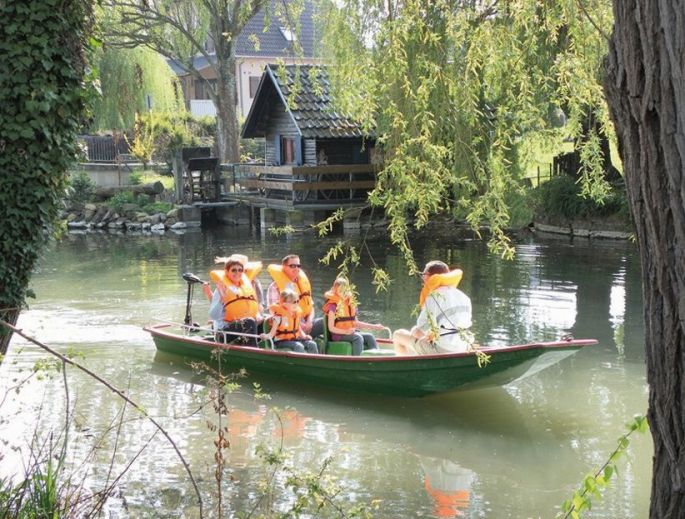 Promenades en barques sur le Giesen à Biesheim en Alsace