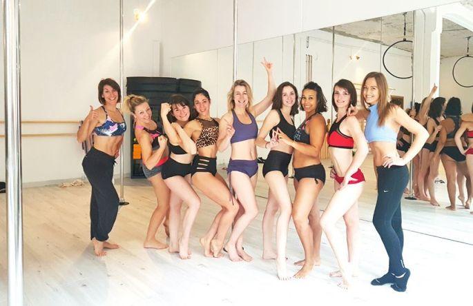 Les filles de l\'école de Pole Dance de Mulhouse