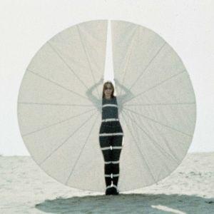 Rebecca Horn, ventilateur à corps blanc, 1972, photo de film