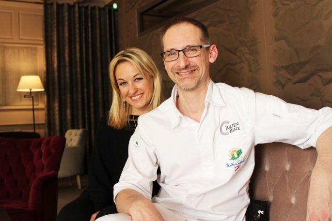 Sandrine Kauffer et Julien Binz dans le salon de leur restaurant
