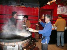 La cuisine mongole se prépare grâce à une plancha, pour cuire sainement les aliments