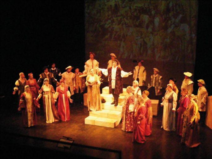 29 chanteurs en costume son mobilisés pour ce spectacle musical