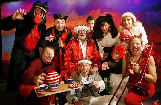 La troupe de la Revue de la Choucrouterie