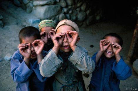 Reza, reporter photographe iranien, a sillonné le monde  pour \