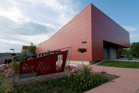 <p>Le RiveRhin, le complexe culturel et sportif de Village-Neuf</p>