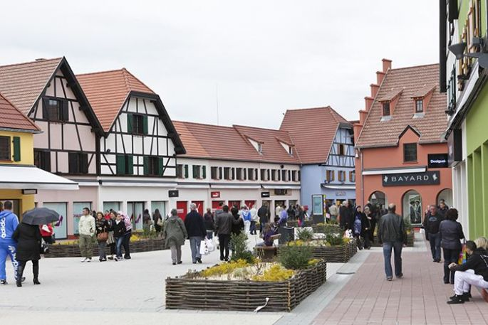 On se retrouve au cœur d\'un véritable village alsacien, entièrement consacré au shopping !