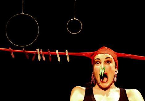 Rouge... Inventions pour opéra et pots de peinture
