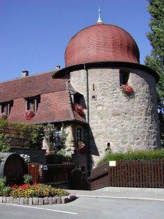La Tour des Sorcières, sur la Place Zussy à Thann