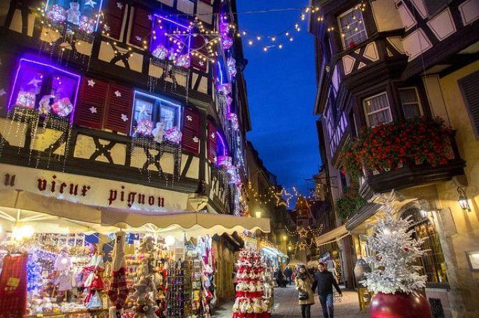 Les rues de Colmar et leurs belles décorations de Noël