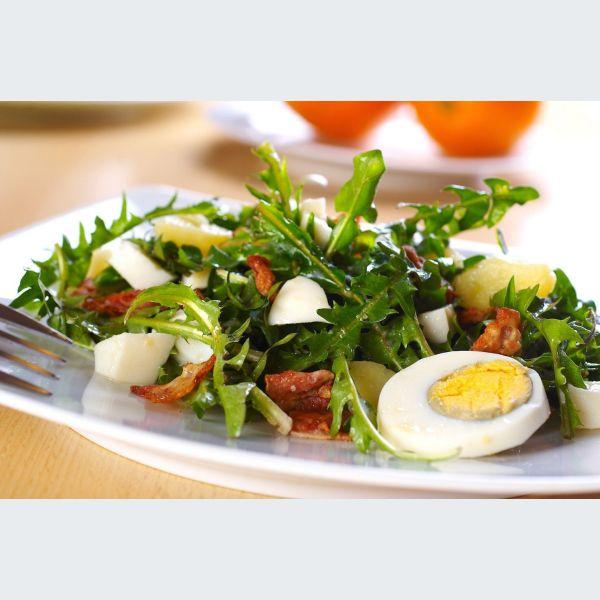 Salade de pissenlit recette alsacienne - Alsace cuisine traditionnelle ...