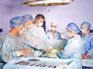 Certaines interventions, telles que les opérations chirurgicales, doivent être réalisées en centre médical.