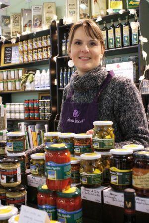 En distribuant des produits naturels et bio grecs au Comptoir de Messénie à Mulhouse, Maud Marchal s\'inscrit pleinement dans la démarche slow food.