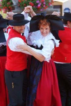 Les soirées Folklores et Tartines obernoises sont l\'occasion de découvrir le folklore alsacien
