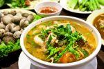 La cuisine thaï est pleine de saveurs et de couleurs, grâce aux multiples épices utilisées