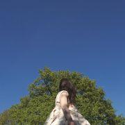 Sous un ciel bleu sans nuage