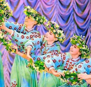 Les danseurs de la troupe « Les Radist »