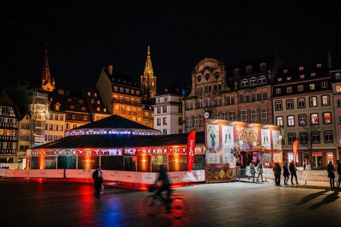 Le chapiteau Place Kléber pour Strasbourg, mon amour