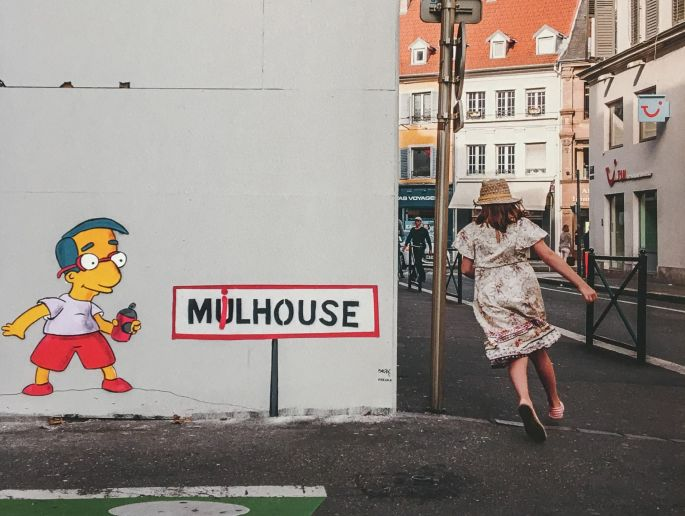 Une œuvre du street artiste OAKOAK : Milhouse